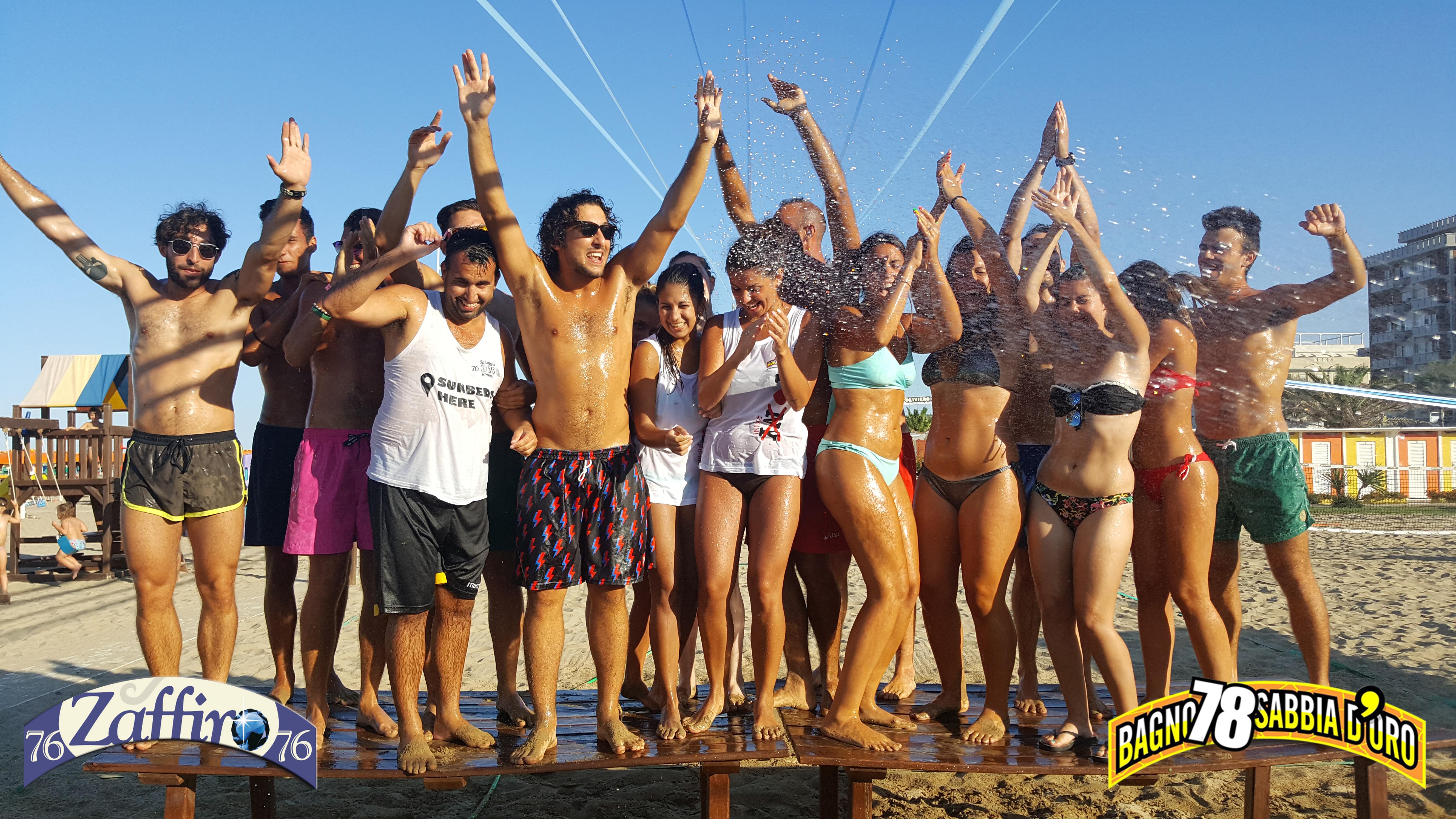 Bagno Conchiglia Casalborsetti Foto Zumba : I servizi del bagno zaffiro spiaggia rimini